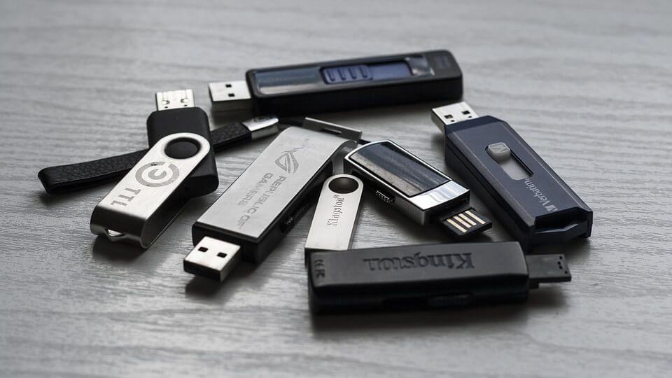 Defekten USB-Stick reparieren